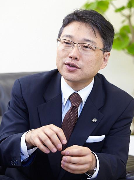 P2代表取締役 水木様_トリミング.jpg